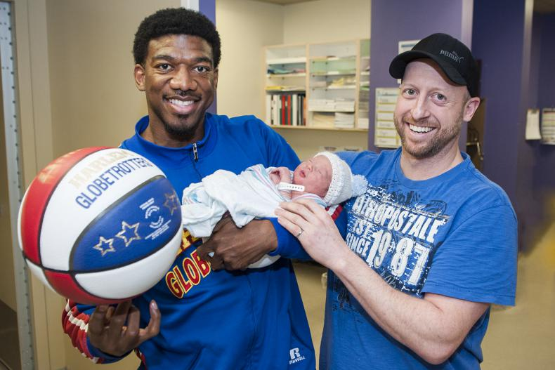 """Harlem Globetrotter Anthony """"Buckets"""" Blakes visited KGH's Pediatrics unit before a game at the K-Rock Centre."""