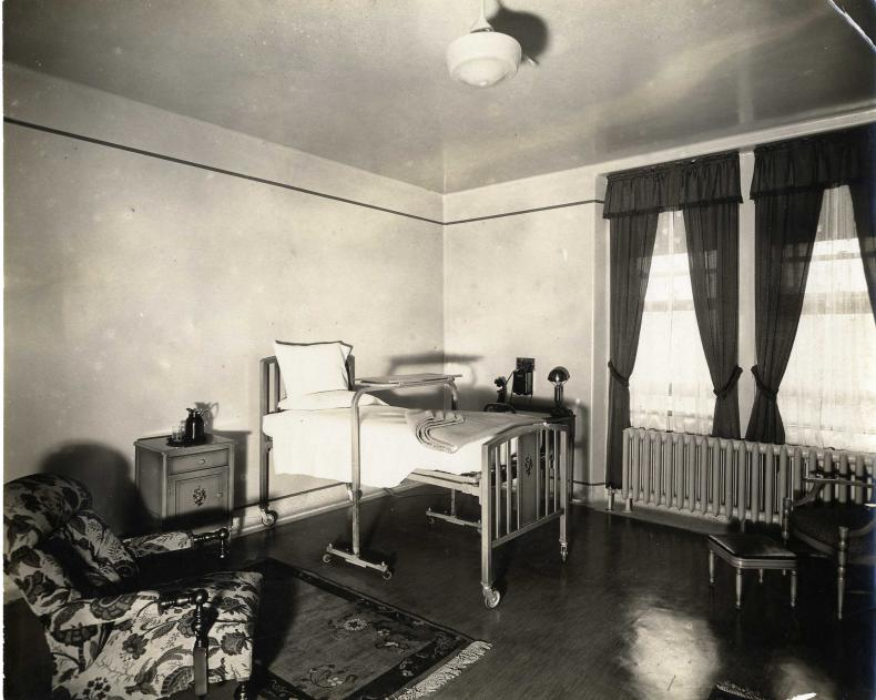 Private rooms at KGH c. 1920