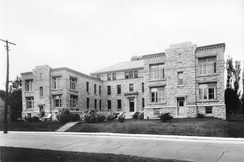 photo of the isolation hospital built at KGH in 1923