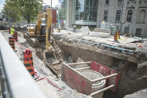 Construction crews are making good time installing new sewer pipes all the way up George Street.
