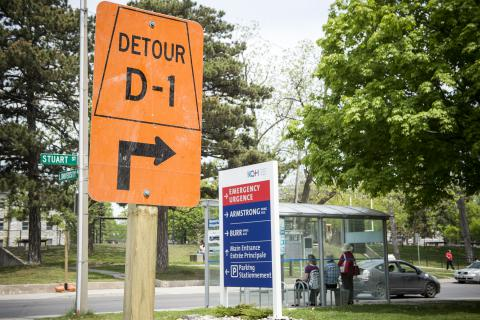 Detour sign outside of KGH