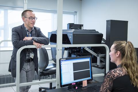 Dr Boyd in the KINARM lab