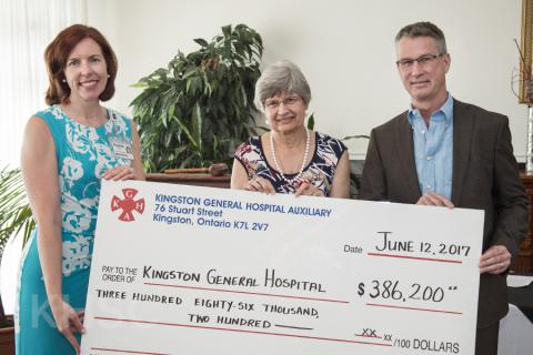 KGH Auxiliary President Sandra Fletcher (centre) to Elizabeth Bardon, KHSC VP of Missions, Strategy and Communication (left) and David O'Toole, Chair of KHSC Board of Directors (right)